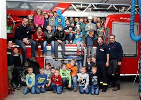 Das Angebot der Kinderfeuerwehr in der Stadt Arnsberg geht in die nächste Runde Startschuss für die Löschgruppe Herdringen